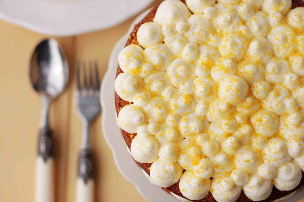 tarta de limón con lemon curd y crema de queso