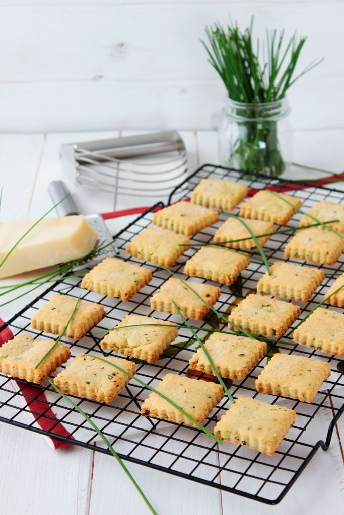 galletas saladas de parmesano y cebollino