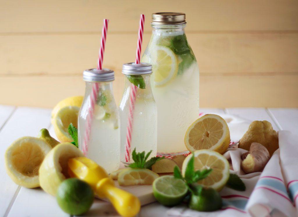 Refresco de limón y jengibre casero